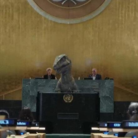 BM Genel Kurulu'nda 'dinozordan' dünya liderlerine mesaj