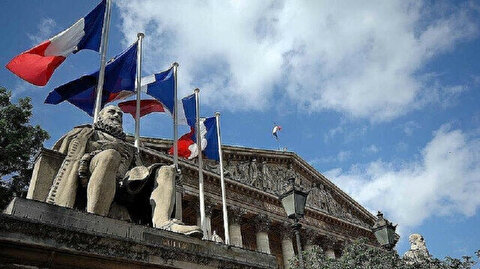 Muslims in France worried over controversial anti-separatism bill