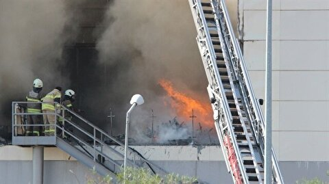 İzmir Yerel Haber - İzmir'de AVM yangını