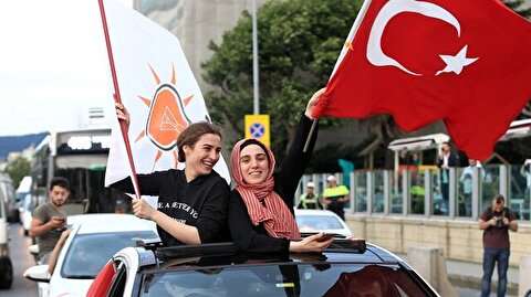 Turkey celebrates as initial results show clear victory for Erdoğan, AK Party