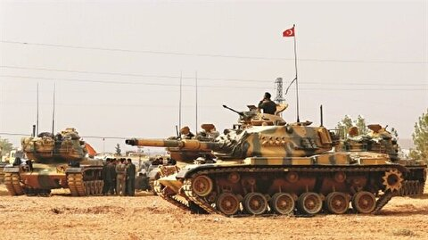 Turkish soldiers at the ready for possible op in east of Euphrates