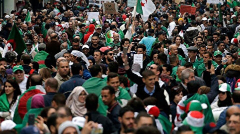 Algerians continue to protest on 1st Friday of Ramadan
