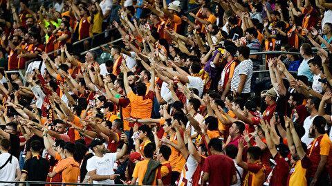 Galatasaraylı taraftarlar hazırlık maçında çılgına döndü