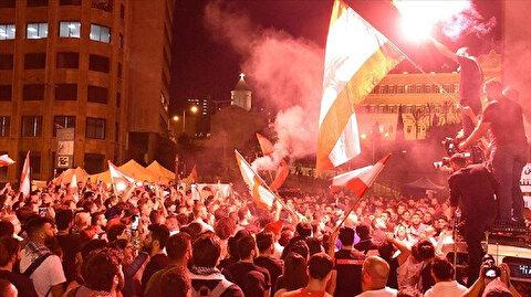 """""""خمسيني"""" يضرم النيران بجسده بين المعتصمين وسط بيروت"""
