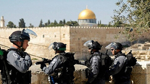 """بذريعة كورونا.. الاحتلال يمنع فلسطينيين من الصلاة بـ""""الأقصى"""""""
