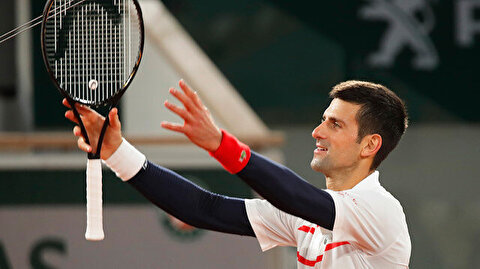Novak Djokovic moves into French Open semifinals