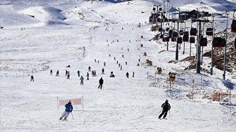"""تركيا.. مركز """"أرجياس"""" يوفّر فرصة التزلّج ليلاً"""