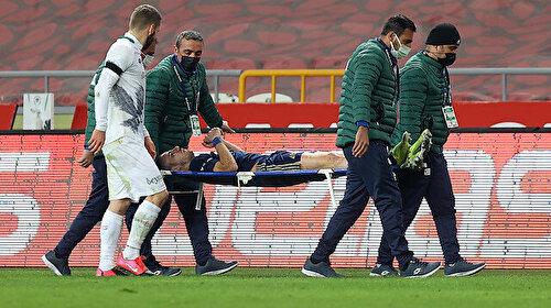 Fenerbahçe'nin yıldızı Pelkas futbolseverleri korkuttu: Hastanede kontrol altında tutuluyor