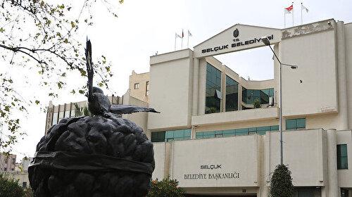 """CHP'li belediye """"Türk büyüklerine hakaret etti"""" iddiası"""