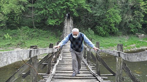 Bu köprü 150 yıldır ayakta: Ordulular geçerken korkuyor