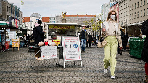 Almanya'da Kovid aşısı olanlar kısıtlamalardan muaf olacak
