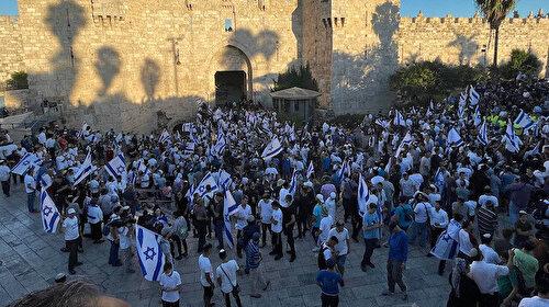 Aşırı sağcı Yahudiler 'Araplara ölüm' sloganlarıyla Şam Kapısı'na yürüyor