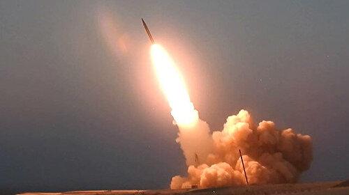 Yemen'deki Husiler Suudi Arabistan'daki askeri kampı balistik füzelerle hedef aldığını açıkladı