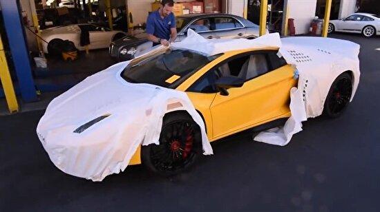 Lamborghini Aventador'un sahibine teslim edilişi