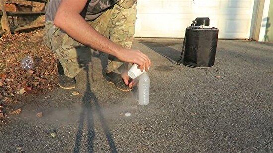 Plastik şişeye sıvı azot konursa ne olur?