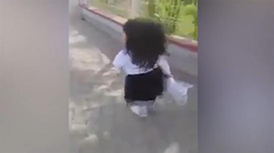 Okuldan sıkılan minik kızın isyanı güldürdü