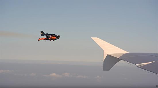 Airbus A380'le uçan jetman'ler