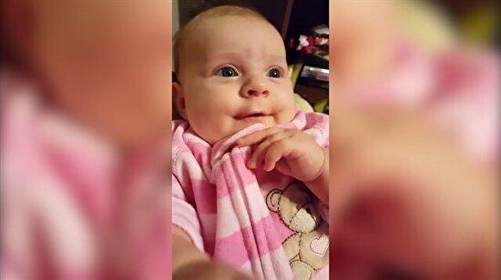 3 aylık bebeğin konuşması görenleri şaşkına çevirdi