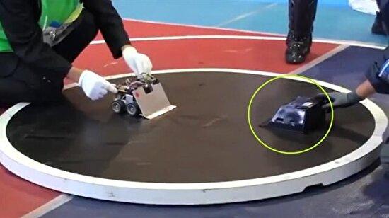 Japonya sumo robot turnuvasında 'ışınlanan robot'