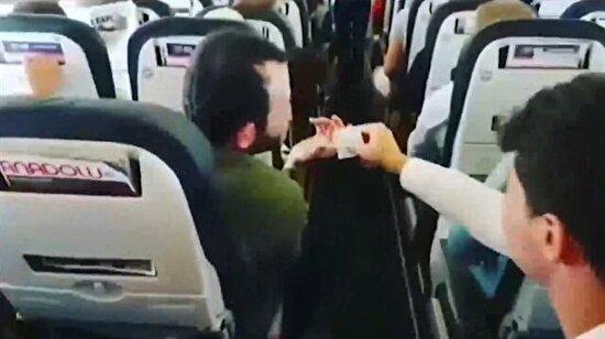 Uçakta pilota bilet parası uzatan Karadenizliler