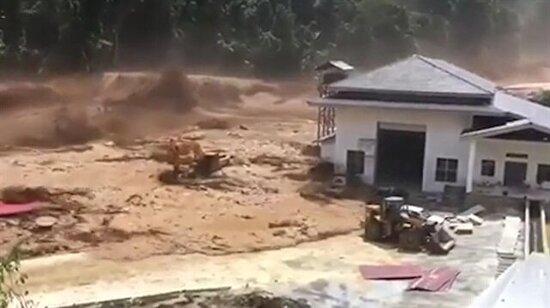 Felaket! Yapımı bitmek üzere olan baraj taştı