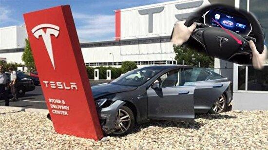 Elon Musk'a direksiyon şoku! Tesla 123 bin araç geri çağrıldı