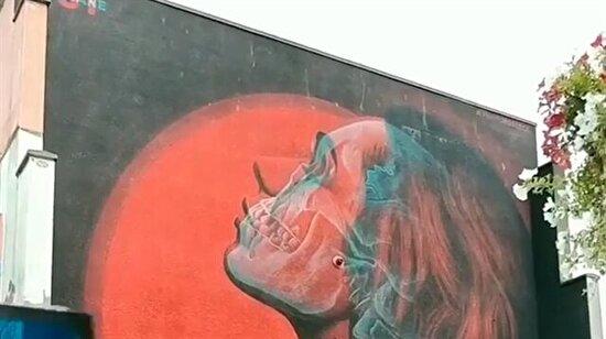 İki yüzlü graffiti