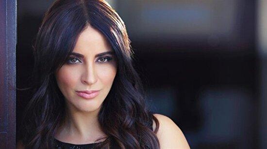 Ünlü şarkıcı Zara, geçirdiği trafik kazasında ölümden döndü
