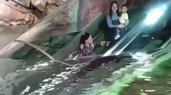 Yürüyen merdivenle deniz altına inmek ister misiniz?