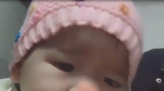 Bebeği telefon filtresiyle kandırmak
