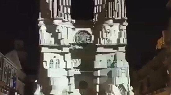 Notre Dame Katedrali'nde ışık oyunları