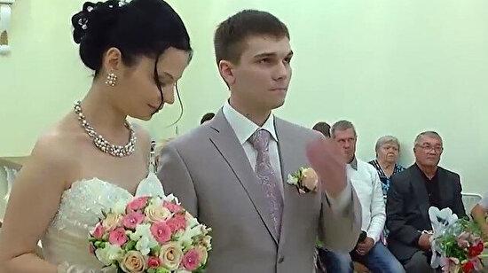 Nikah töreninde aşırı heyecandan bayılan Rus damat