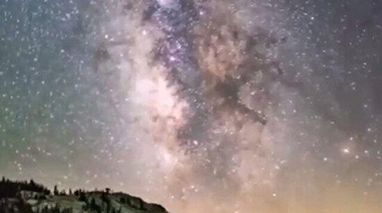 Hızlandırılmış çekimle Samanyolu Galaksisi
