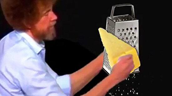 Belki şuralarda küçük peynir rendeleri vardır