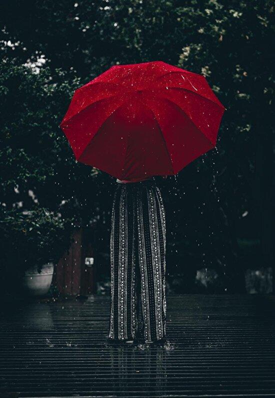 Kırmızı yağmur