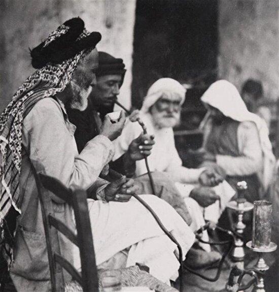 Filistin'de bir Kahvehane, 1920