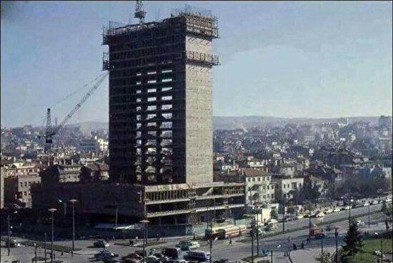 Türkiye'nin ilk gökdeleni, Kızılay Emek İşhanı. Ankara 1959