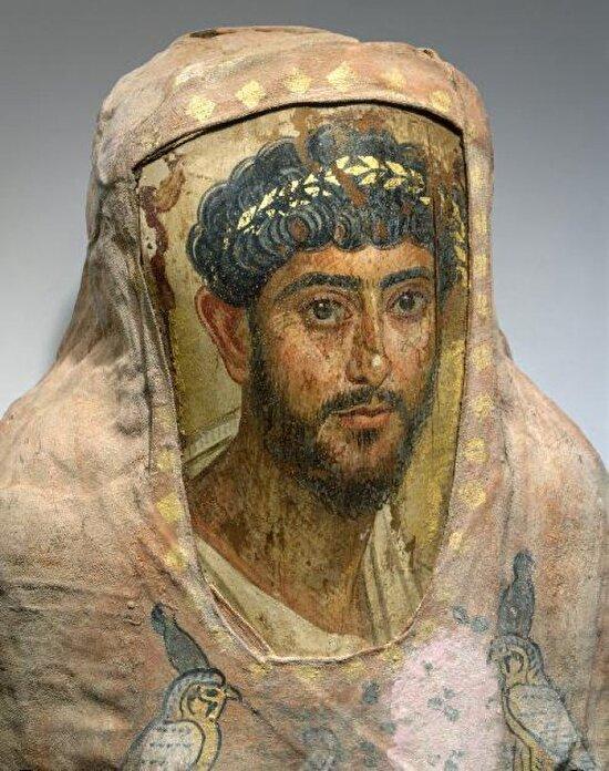 Mısır'da bulunan tarihteki ilk portrelerden biri... Fayyum portreleri