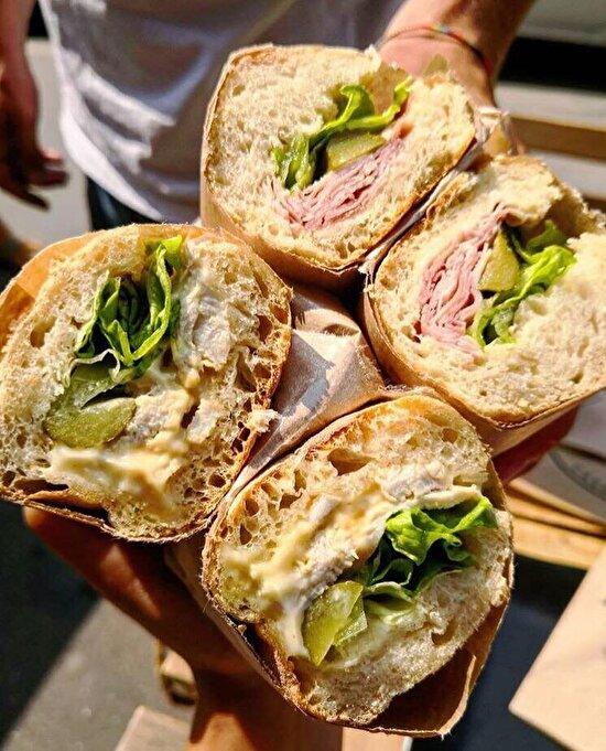 Öğle atıştırmalığı sebzeli sandviç