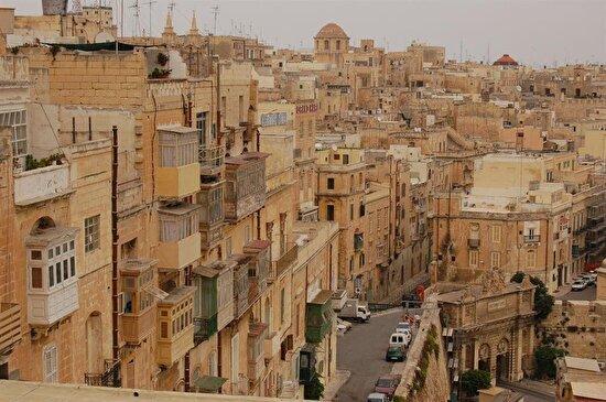 Malta'dan bir şehir görüntüsü