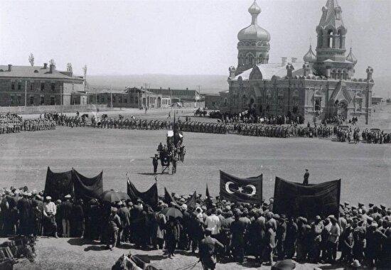 Rusya'nın egemen olduğu yıllarda yapılan Alexander Nevsky Kilisesi. Kars, 1921 yılı