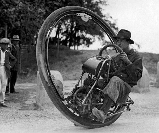Saatte 150 km hıza çıkabilen tek tekerlekli motosiklet, 1931 yılı