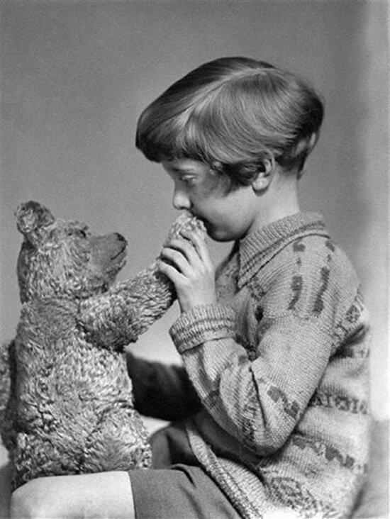 Gerçek Winnie The Pooh ve Christopher Robin, 1927 yılı