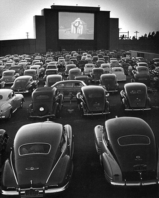 San Fransisco'da bir arabalı sinema, 1948