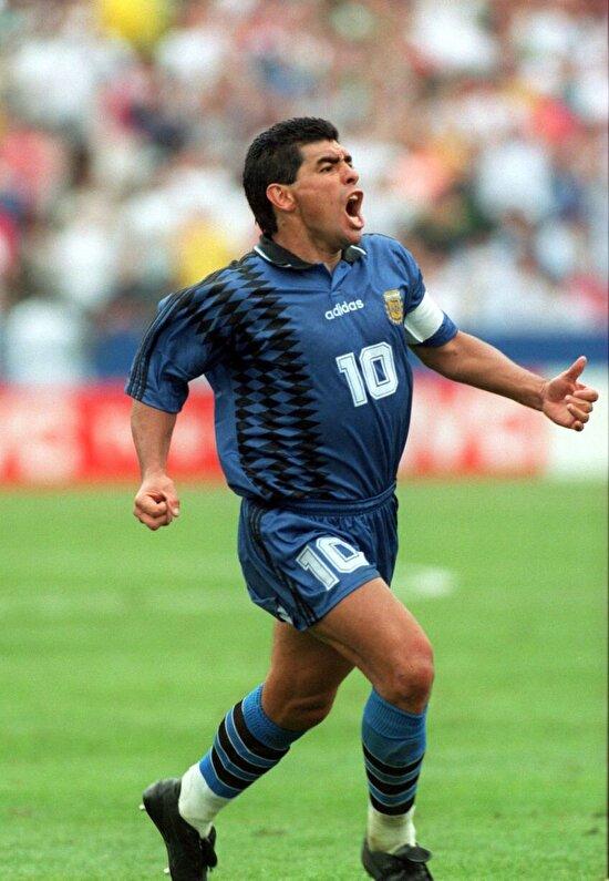 Maradona yeniden yeşil sahalarda