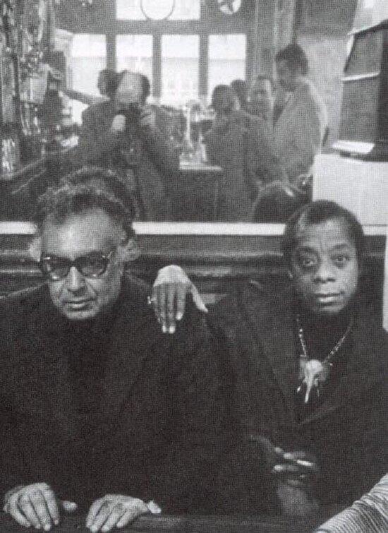 Afrikalı-Amerikalı yazar James Baldwin ve Yaşar Kemal. 1960