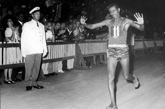 Abebe Bikila tarih yazdı
