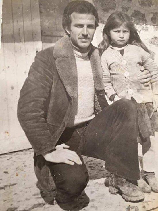 Bir köy öğretmeni ve öğrencisi. Muş 1979