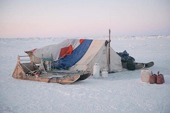 Kuzey Kutup Denizi'ndeki bir av kampı