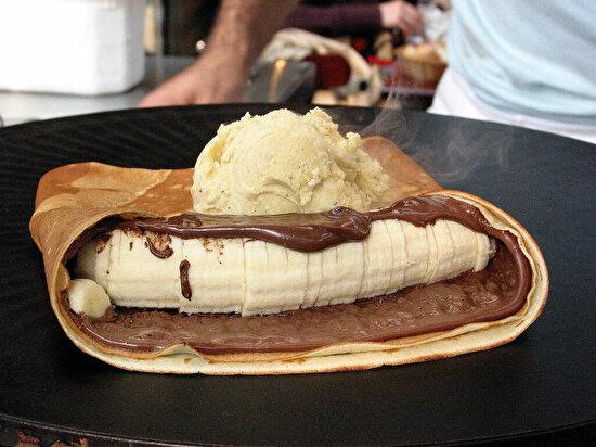 Nutellalı muzlu ve dondurmalı krep
